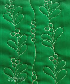 Mistletoe and Berries, Free Motion Quilting!