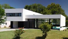 To inspire ypu on your best projects, we select architecture projects for you to see. Discover more architecture projects here. Moraira, Architecture Awards, Villa Design, Interior Design Tips, House Goals, Architect Design, Minimalist Home, Apartment Design, Custom Homes
