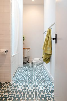 Floor Plan - Modern Bathrooms - Photos