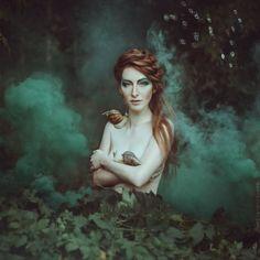 nhiếp ảnh gia người Ukraine này mang đến những câu chuyện cuộc sống với chân dung huyền diệu của phụ nữ với động vật 09