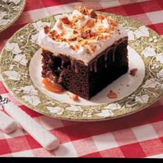 omg this looks like the Butterscotch Chocolate Cake from the XO house!! SO GOOD!!