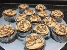 Rolo Caramel Cupcakes recipe by زوجة سعد posted on 07 May 2020 . Recipe has a rating of by 1 members and the recipe belongs in the Cakes recipes category Caramel Treats, Caramel Cupcakes, Baking Cupcakes, Cupcake Recipes, Vanilla Essence, Food Categories, Recipe For 4, Icing, Ice Cream