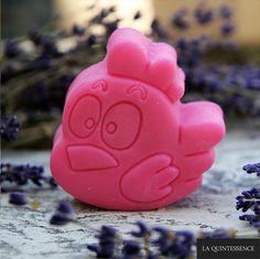 Mydełko glicerynowe o zapachu truskawkowym. Bez SLS i SLES :)  #happysoaps #mydło #mydełka #soap #handmade