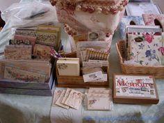 2004年4月***「Chez Mimosa シェ ミモザ」   ~Tassel&Fringe&Soft furnishingのある暮らし  ~   フランスやイタリアのタッセル・フリンジ・  ファブリック・小家具などのソフトファニッシングで  、暮らしを彩りましょう     http://passamaneriavermeer.blog80.fc2.com/