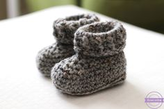 Sewrella: The Parker Crochet Baby Booties