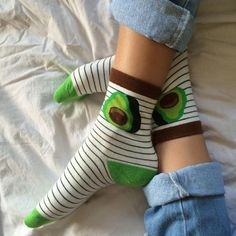 avocado printed socks are so cute Mein Style, Cute Socks, Silly Socks, Awesome Socks, Funny Socks, Crazy Socks, Zooey Deschanel, Happy Socks, Sock Shoes