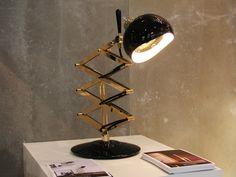 CANDEEIRO DE MESA PARA ESCRITÓRIO COM BRAÇO ARTICULADO BILLY BY DELIGHTFULL  #Architonic #lamps #vintage #vintagelamps