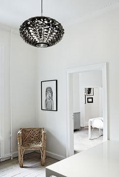 Norm 03 Pendelleuchte von Normann Copenhagen, auf Made in Design Interior Design Blogs, Best Interior, Interior Inspiration, Interior Decorating, Modern Interior, Decorating Ideas, Design Shop, House Design, Lite Brite