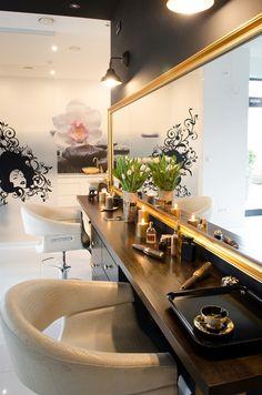 Spacious, elegant and, above all, untypical interior - Thai-style interiors where gold, white, and black would dominate. Wn?trza przestronne, eleganckie i przede wszystkim nietypowe - wn?trze w stylu (Coiffure Pour Grosse)