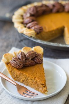 Use the KitchenAid® Pro Line® Series Food Processor to whip up a delicious Pumpkin Pie with Candied Pecan Topping from Allie of @bakingamoment on our blog.
