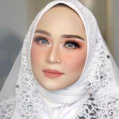 Muslimah Wedding Dress, Hijab Wedding Dresses, Dream Wedding Dresses, Glam Makeup Look, Bridal Makeup Looks, Wedding Day Makeup, Bride Makeup, Orange Wedding Colors, Bridal Veils And Headpieces