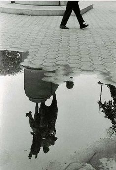 Washington Square Park After the Rain - Andre Kertesz. I like that the puddle doesn't reflect what you expect it to. Andre Kertesz, Budapest, Washington Square Park, Mondrian, Fine Art Photography, Street Photography, Photography Lessons, New York City, Famous Photographers