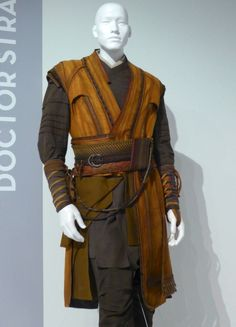 Doctor Strange, Costume Design by Alexandra Byrne Movie Costumes, Character Costumes, Character Outfits, Cosplay Costumes, Ballet Costumes, Jedi Costume, Costume Armour, Armor Clothing, Medieval Clothing