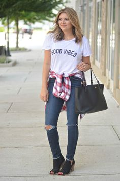 cutest fall outfit - graphic tee, plaid tied at waist, distressed skinnies, black peep toe booties | www.fizzandfrosting.com