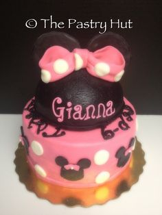 Minnie Mouse Cake www.facebook.com/thepastryhut