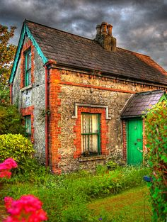 Ireland Stone Cottages | Irish Stone Cottage.How could anyone ever have a bad day while living in this house?