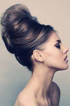 Retro #60s redux...cool hair! -- for more women styles, visit my board http://pinterest.com/davidos193/la-femme/