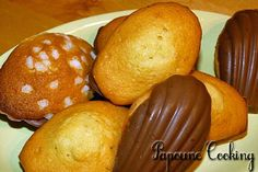 Madeleines moelleuses dans une coque au chocolat, recette disponible sur http://www.papoune-cooking.com/gouter-petites-douceurs/78-madeleines-moelleuses-dans-une-coque-au-chocolat
