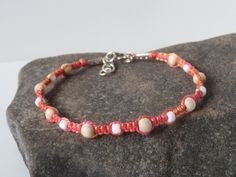 elegant pink macrame bracelet with wooden and glass beads by Kreativprodukte, Macrame Jewelry, Macrame Bracelets, Vienna, Glass Beads, My Etsy Shop, Handmade Jewelry, Vintage, Elegant, Pink
