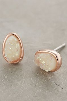 Goccia Studs #anthropologie If Bella makes all A's and B's (shoot for the A's!!) these will be her reward gift!