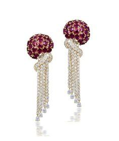 Pendientes del pulpo: rubíes y tachonados de diamantes.