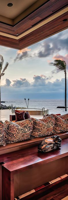 MAUI BEACH HOUSE    Overlooking the white pristine beaches of Oneloa Bay in Maui, t his amazing luxury beachfront home is located on Kapal...