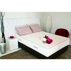 Tecido stretch organico de tacto suave, com padrão de qualidade exclusivo e distinto.