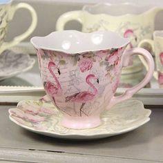 Flamingo Tea Cup And Saucer.I want to have my tea I this cup! Flamingo Decor, Pink Flamingos, Vintage Tea, Vintage China, Café Chocolate, Teapots And Cups, Teacups, Cuppa Tea, China Tea Cups