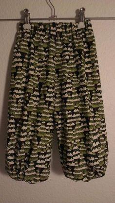 Krudtfuglens hulebo: Mønster på basisbukser  Free pattern for kids pants