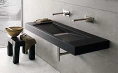 Neutra Design - Lavabo a parete Fluid, pietra Black Rock Luxury Interior Design, Interior Architecture, Bathroom Toilets, Double Vanity, Sink, Indoor, Pure Products, Modern Bathrooms, Raw Material
