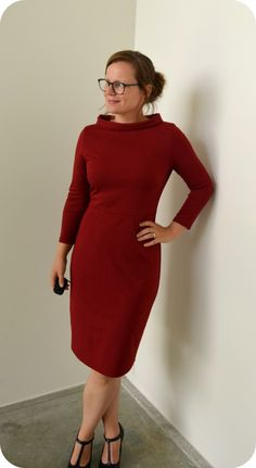 Burda I like it as she has altered it. Simple Dress Pattern, Simple Dresses, Easy Dress, Dress Sewing Patterns, Darts, My Outfit, Tweed, Sewing Projects, High Neck Dress