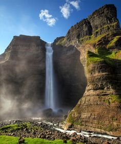 Haifoss waterfall - 129 Places Worth Visiting Once in a Lifetime (part. Beautiful Waterfalls, Beautiful Landscapes, Places To Travel, Places To See, Wonderful Places, Beautiful Places, Beautiful Boys, Amazing Places, Places Around The World