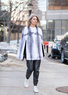 Sarah Harris New York fashion week street style | Photographed by Ashka Shen | Xssat Street Fashion