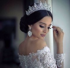 Este posibil ca imaginea să conţină: 1 persoană wedding hairstyles with tiara Bridal Hair Updo, Wedding Hair And Makeup, Wedding Updo, Bridal Headpieces, Wedding Hijab, Headpiece Wedding, Wedding Hairstyles With Crown, Bride Hairstyles, Bridesmaid Hairstyles