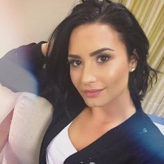 Demi Lovato yo the most beatiful women in and out God bless u ❤️