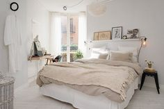 Scandinavian Bedroom Design Scandinavian style is one of the most popular styles of interior design. Although it will work in any room, especially well . Dream Bedroom, Home Bedroom, Bedroom Decor, Bedroom Ideas, Bedroom Lighting, Master Bedroom, Bedroom Colors, Bedroom Simple, Bedroom Wall