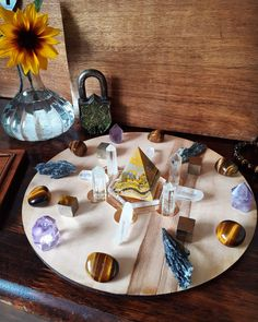Lions Gate Crystal Grid Healing Stones, Crystal Healing, Displaying Crystals, Lions Gate, Meditation Rooms, Crystal Grid, Crystals Minerals, Sacred Geometry, Boho Decor