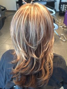 Highlights and haircut Www.styleseat.com/miadias Medium Layered Hair, Short Hair With Layers, Medium Hair Cuts, Medium Hair Styles, Short Hair Styles, Haircuts For Medium Hair, Long Layered Haircuts, Grey Hair Inspiration, Hair Color 2018