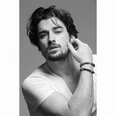 Series Movies, Tv Series, Alina Boz, Vogue Men, Actrices Hollywood, Girls Dpz, Celebs, Celebrities, Turkish Actors