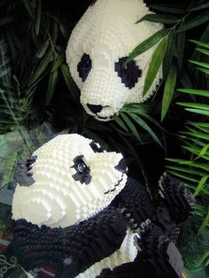 Mama and Baby Panda in Legos, very cool