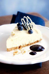 Valkosuklaa-tuorejuustokakku | Reseptit | Valintatalo