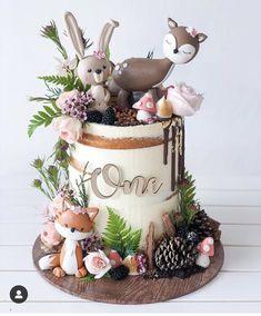 Animal Birthday Cakes, Creative Birthday Cakes, Baby Birthday Cakes, Animal Cakes, Gateau Baby Shower Garcon, Woodland Theme Cake, Cupcakes Decorados, Happy 1st Birthdays, Cute Cakes