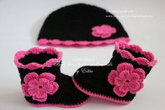 Crochet baby booties and hat set, baby shoes, boots, socks, beanie, black, pink, flower, photo prop, size 3-6 months, gift