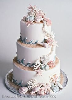 Beach Wedding Cake | Confetti.co.uk