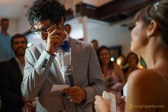 E desde então, sou porque tu és E desde então és sou e somos... E por amor Serei... Serás...Seremos... #weddingphotojournalism #noivo #novio #bride #groom #noiva #novia #emotion #wedding #sony #a7ii #sonyimages #love #amore #amour #amor #liebe #cry #weddingceremony #disritmia #fotojornalismocasamentosp #weddingbrazil