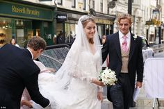 White Wedding Gowns, Wedding Car, White Bridal, Princess Wedding, Wedding Dresses, Royal Brides, Royal Weddings, Lord Frederick Windsor, Floral Fascinators