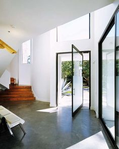 modern entry by Allen Bianchi Luz Natural, Interior Architecture, Interior And Exterior, Door Design, House Design, Modern Entry, Pivot Doors, Unique Flooring, Cool Doors