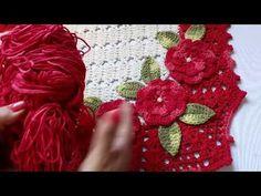 Tapete Milena parte 1.Primeira peça do jogo de banheiro, tapete frente pia - com Elizabeth Silva - YouTube Crochet Granny, Crochet Motif, Crochet Designs, Crochet Flowers, Free Crochet, Floor Rugs, Doilies, Free Pattern, Crochet Earrings