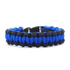 paracord bracelet (nice way to store extra nylon paracord)