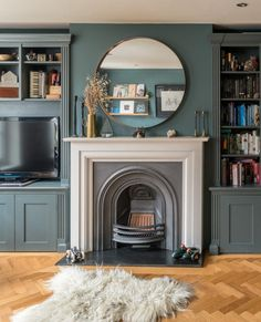 Victorian House Interiors, Victorian Living Room, Cottage Living Rooms, New Living Room, Living Room Decor, Living Spaces, Wooden Floors Living Room, Living Room With Fireplace, Alcove Ideas Living Room